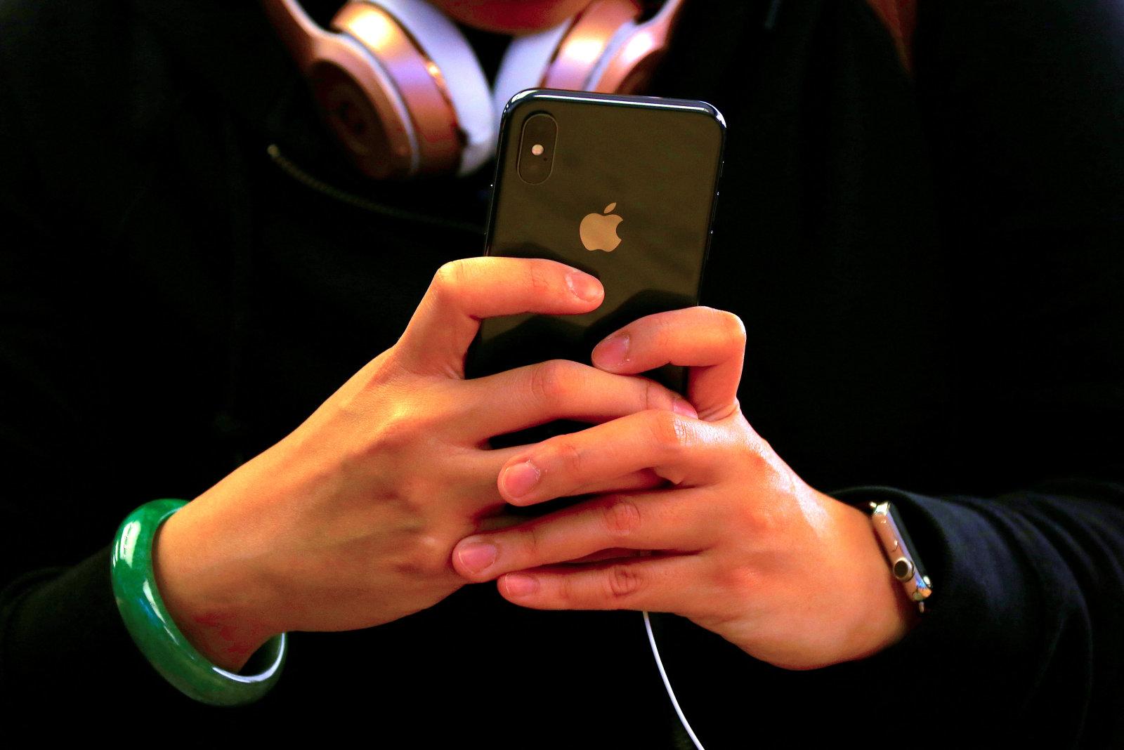 新iPhoneは市場コンセンサスより売れる?「3年以上前の機種が3億台近く買い替え」とのアナリスト予測