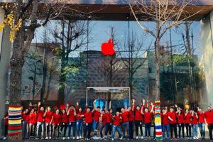 Apple、「世界エイズデー」で世界中の店舗のロゴを赤色仕様に