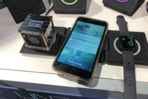 【CES 2019】iPhoneなど3台を同時にワイヤレス充電、携帯も可能