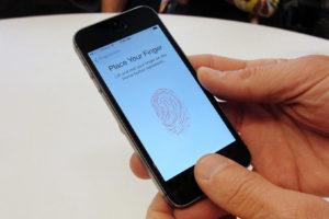 2019年iPhoneには画面埋め込みTouch IDが搭載されない?Android端末には普及とのアナリスト予測